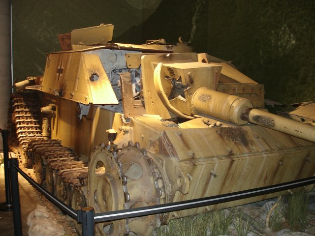 Photo 20060718-cwm-3.jpg from the Canadian war museum